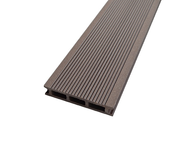 Lame De Terrasse En Bois Composite   Marron Chocolat ( 26*140*3000 Mm    0.42m² )