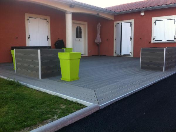 Lame terrasse en bois composite mdsa france for Piscine hors sol composite gris