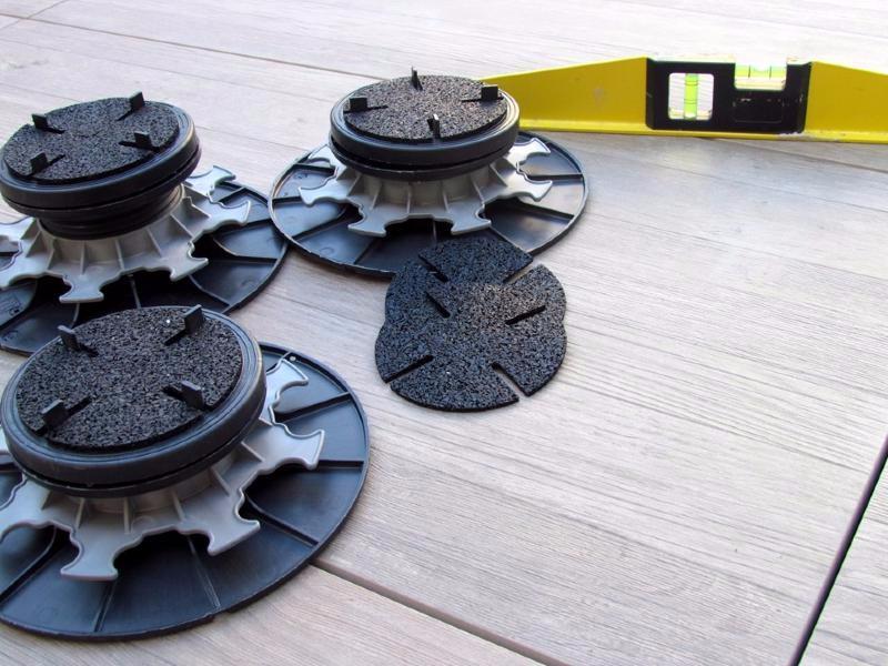 plot dalle r glable autonivelant en pvc 65 95 mm pour terrasse mdsa france. Black Bedroom Furniture Sets. Home Design Ideas